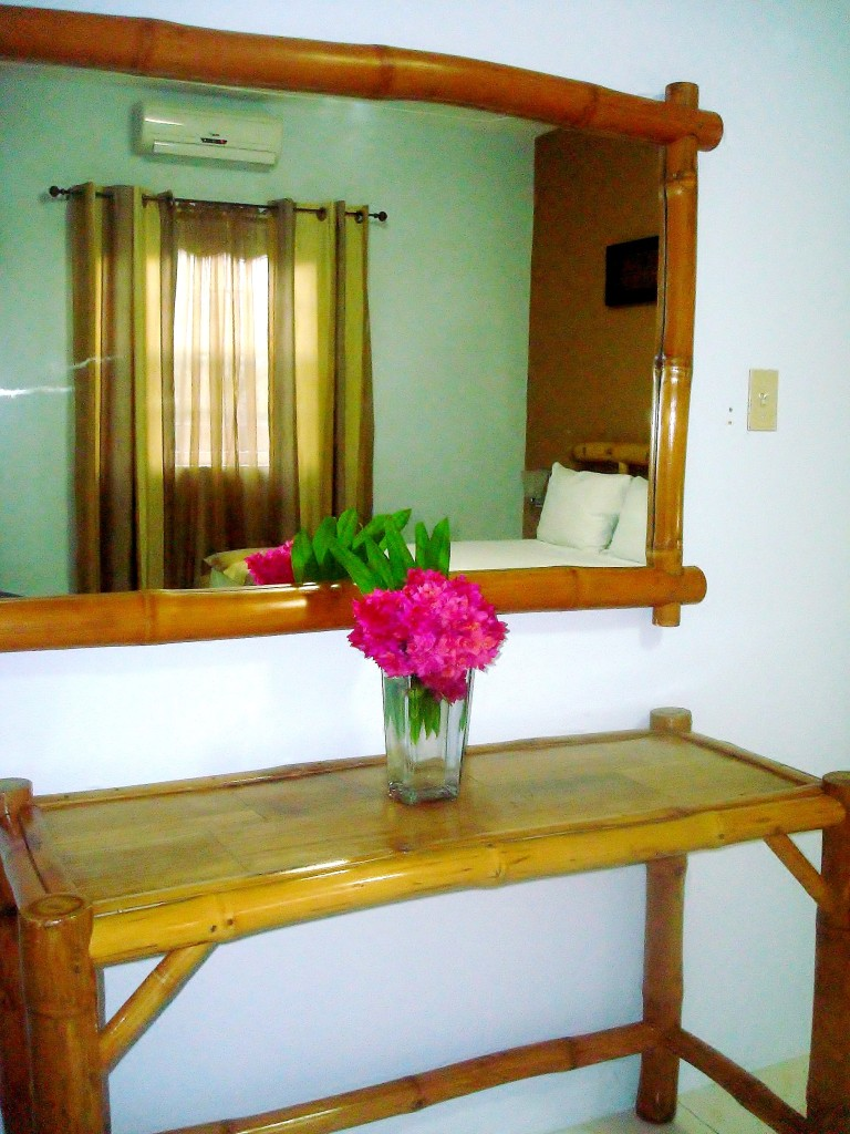 http://www.hoteltimbamboo.com/wp-content/uploads/2014/10/DSC038841-768x1024.jpg